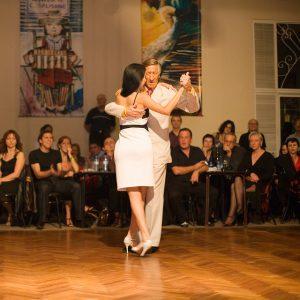 踊るグランミロンゲーロ  El Flaco