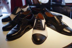男性はタンゴ用革靴がベスト